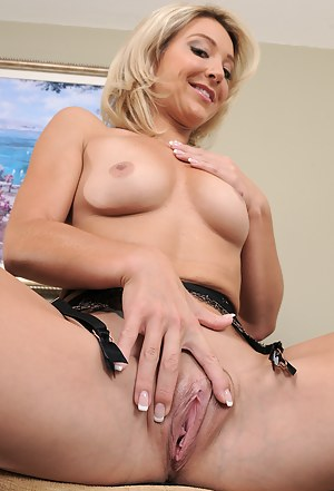 Old black cum