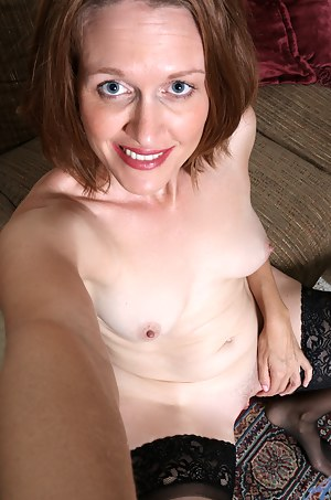 MILF Selfshot Porn Pictures