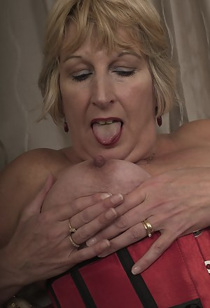 MILF Tongue Porn Pictures